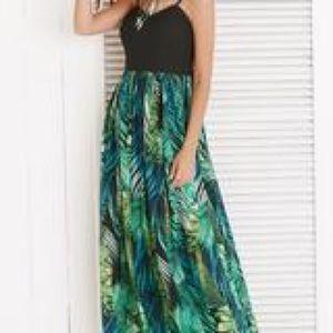 Dresses & Skirts - 🔥HP🔥3/15/19 NWOT.  Long Spaghetti Strap Dress